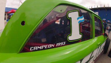 Réplica del Ford campeón de TC de Walter Hernández.