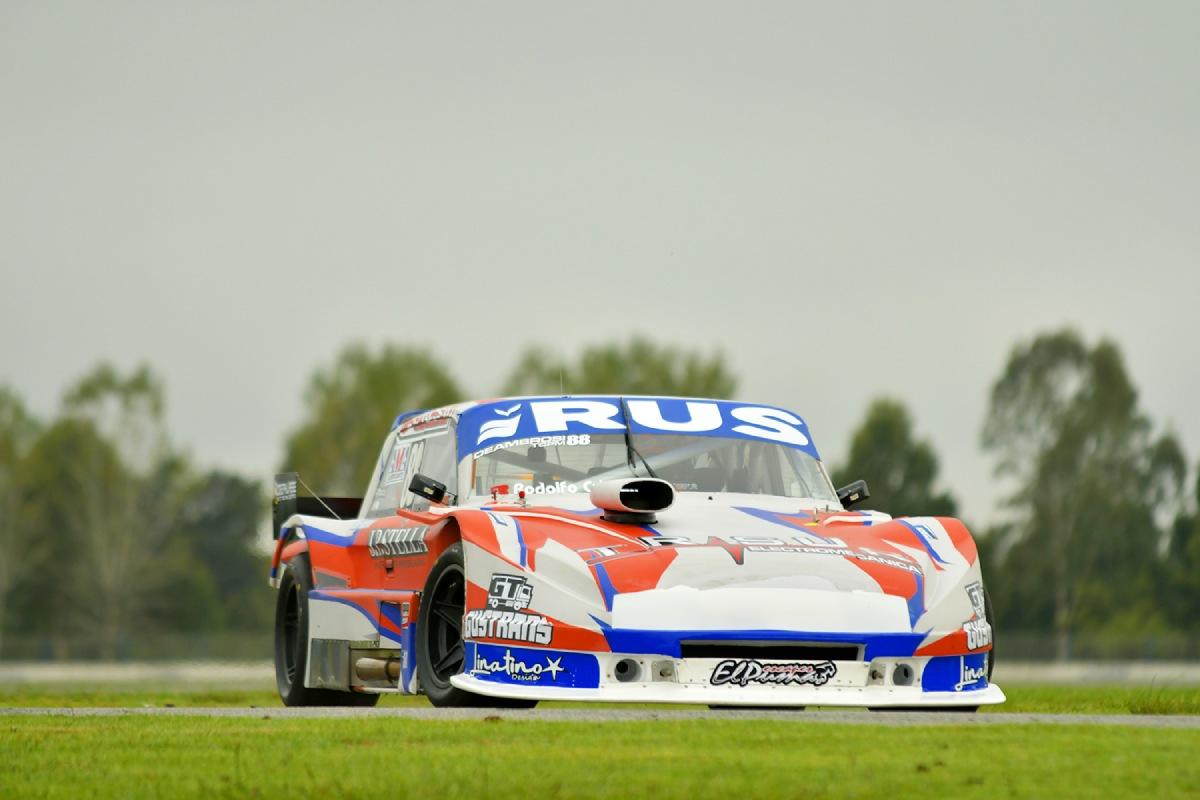 Deambrosi 1ª pole position TCPM