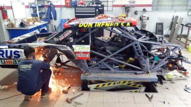 Reparación del auto de Todino