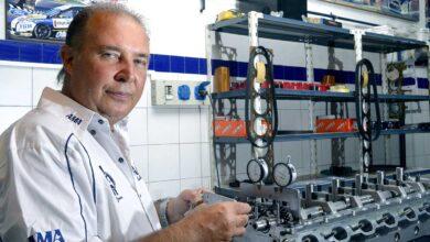 Claudio Garófalo con un motor