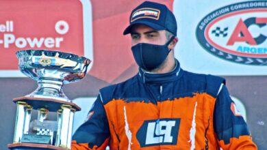 Mauricio Lambiris con la Copa