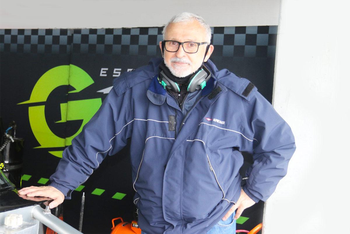 Raúl Saley en los boxes.