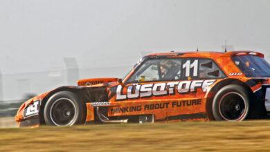 Mauricio Lambiris girando con el Ford