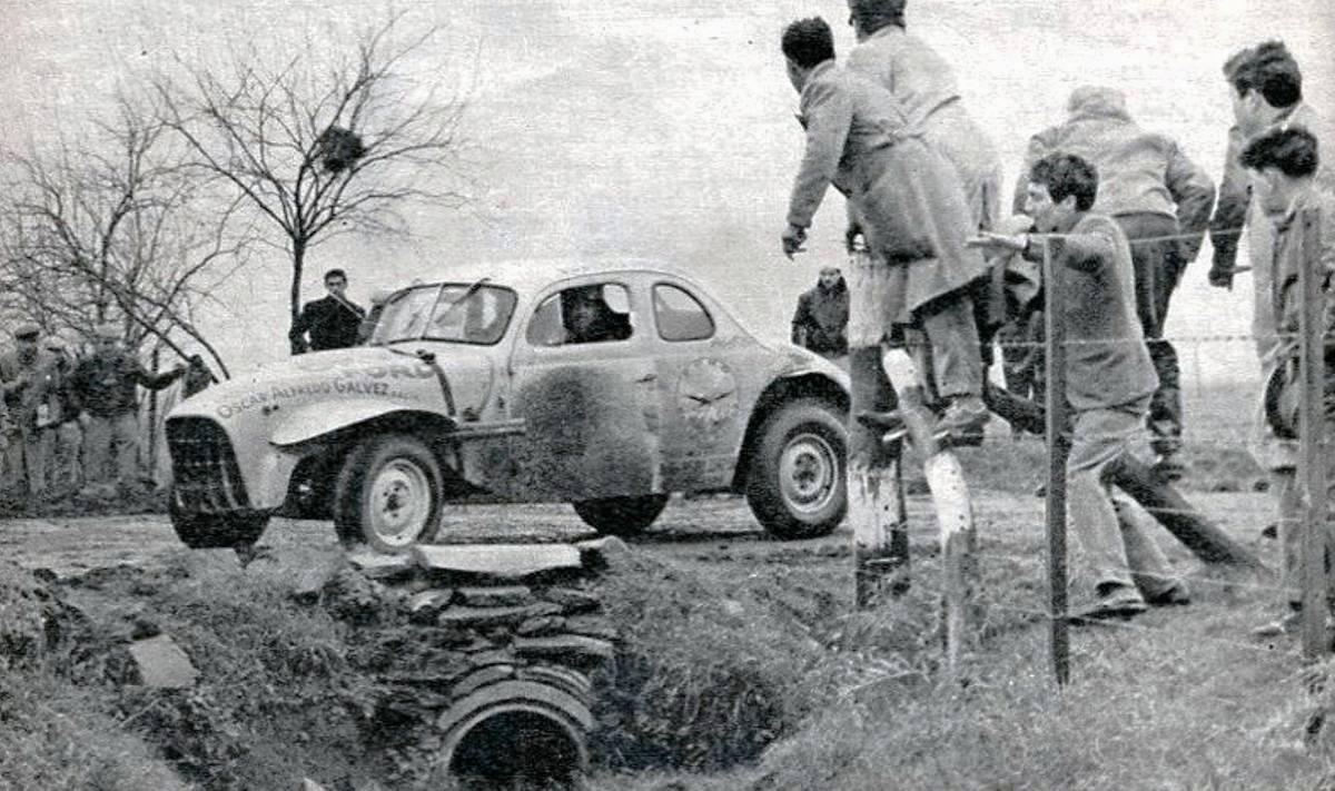 Oscar Gálvez rumbo a la victoria en Salto 1962