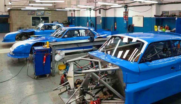 Los 3 Ford del Savino Sport en el taller.