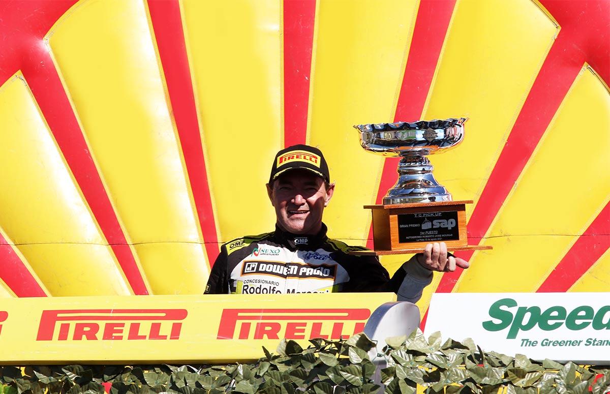 Gurí Martínez en el podio de TC Pick Up.