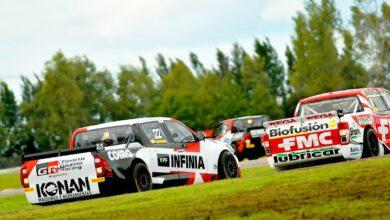 La Toyota Hilux de Jakos persigue a la Ford Ranger de Gianini en La Plata