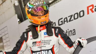 Matías Rossi en el box de Toyota