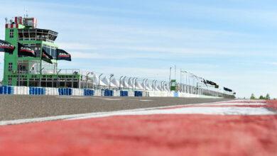 vista de la pista y boxes del autódromo de Viedma